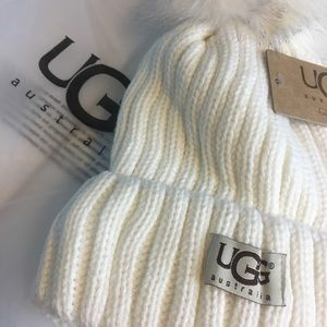 UGG winter hat off white
